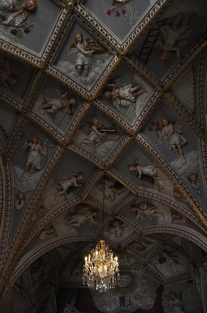 Sostre barroc de l'església franciscana de Lucerna
