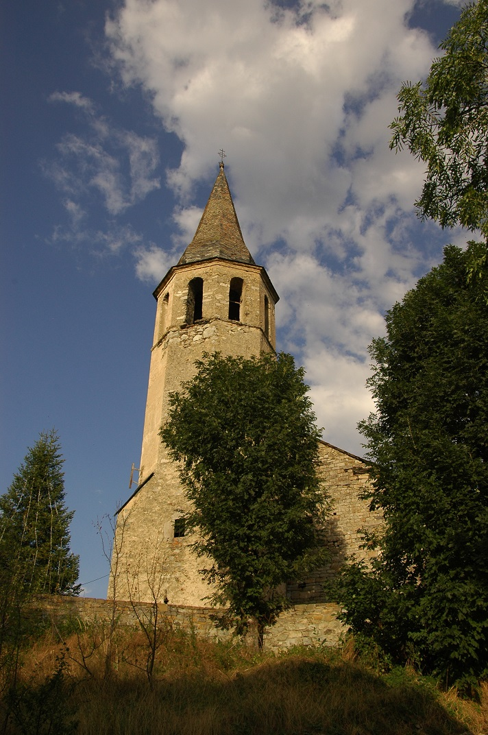 Torre campanar de l'església de Santa Eulàlia d'Unha