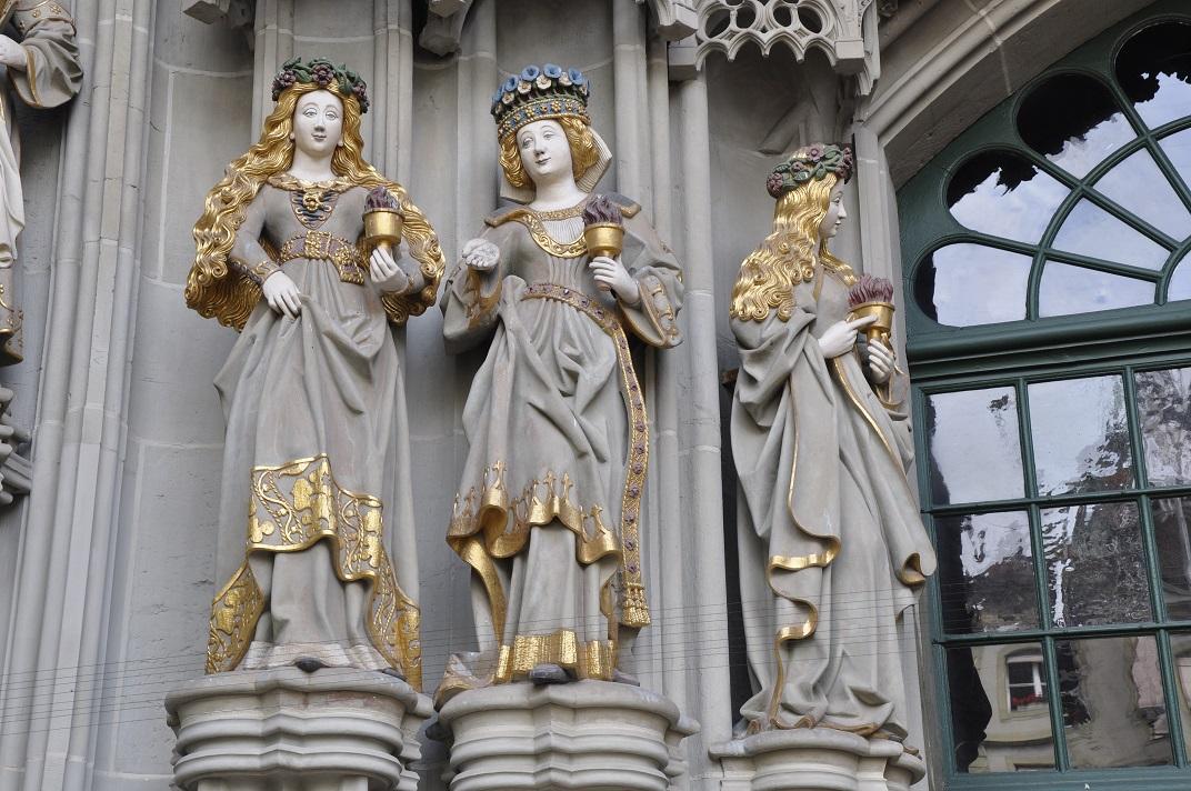 Verges del pòrtic del Judici Final de la Catedral de Berna