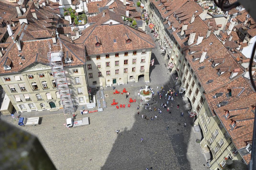 Vista de la plaça des de la torre de la Catedral de Berna