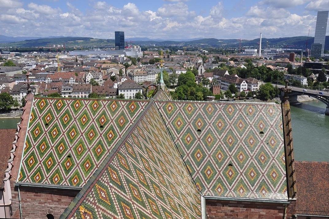 Vista de la teulada des del primer pis de la Catedral de Basilea