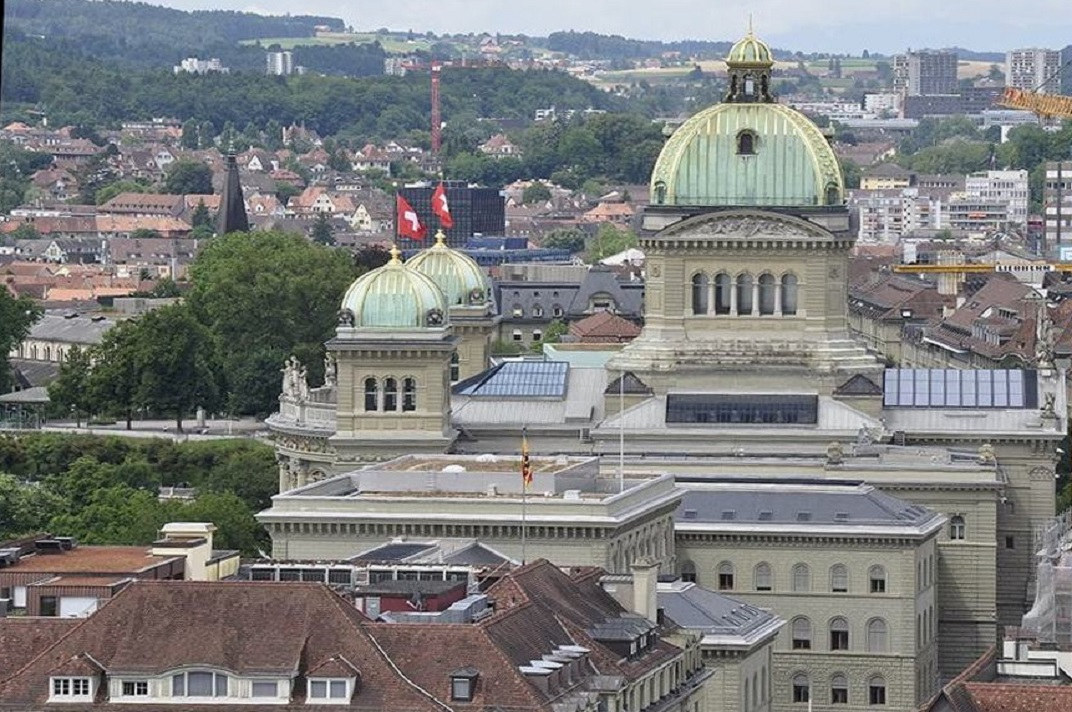 Vista del Parlament Suís des de la torre de la Catedral de Berna
