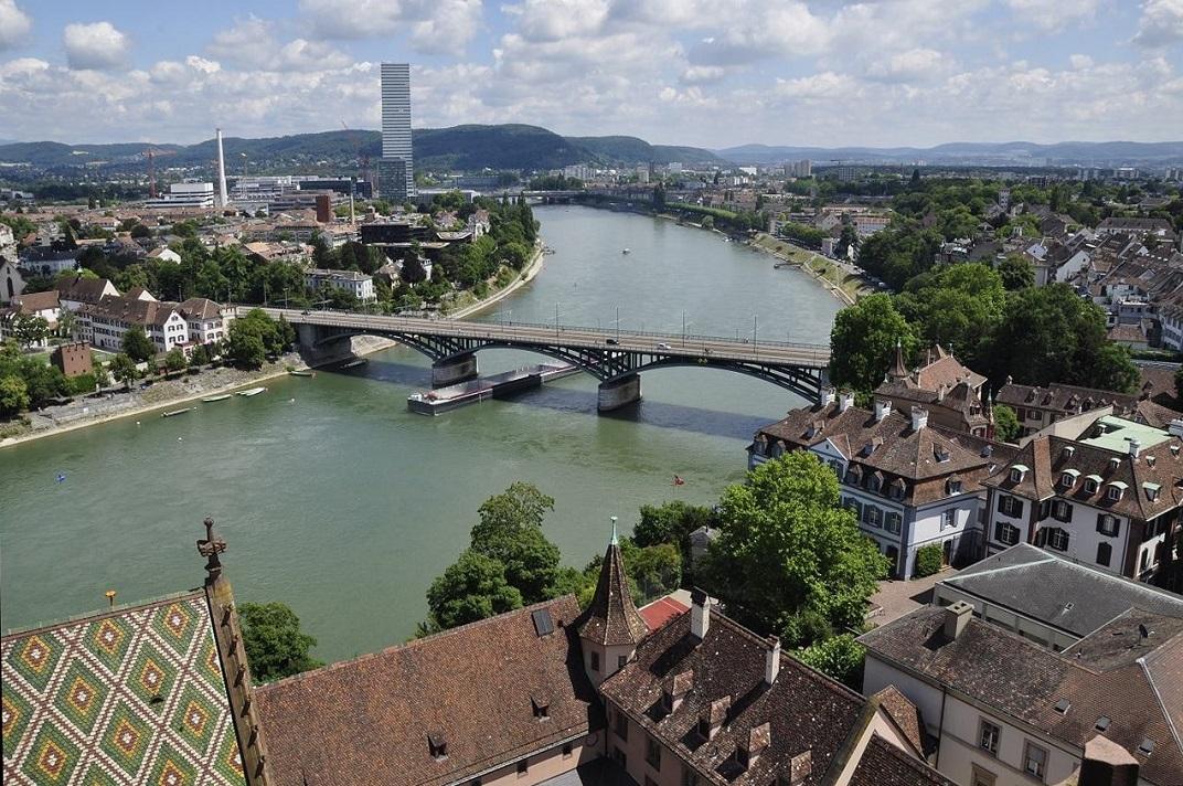 Vista del pont de Wettstein des de la Catedral de Basilea